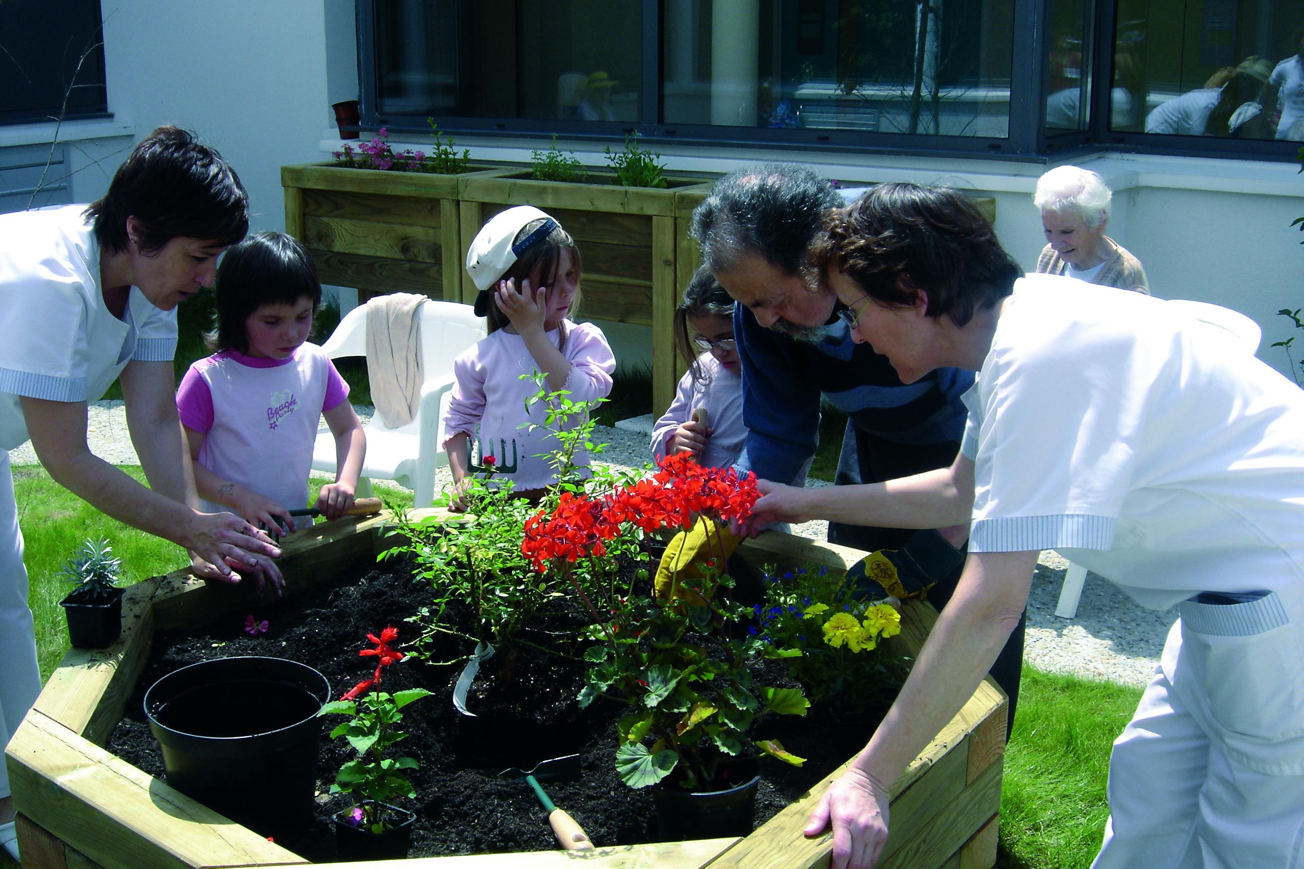 Jardinage avec enfants-DSC07005